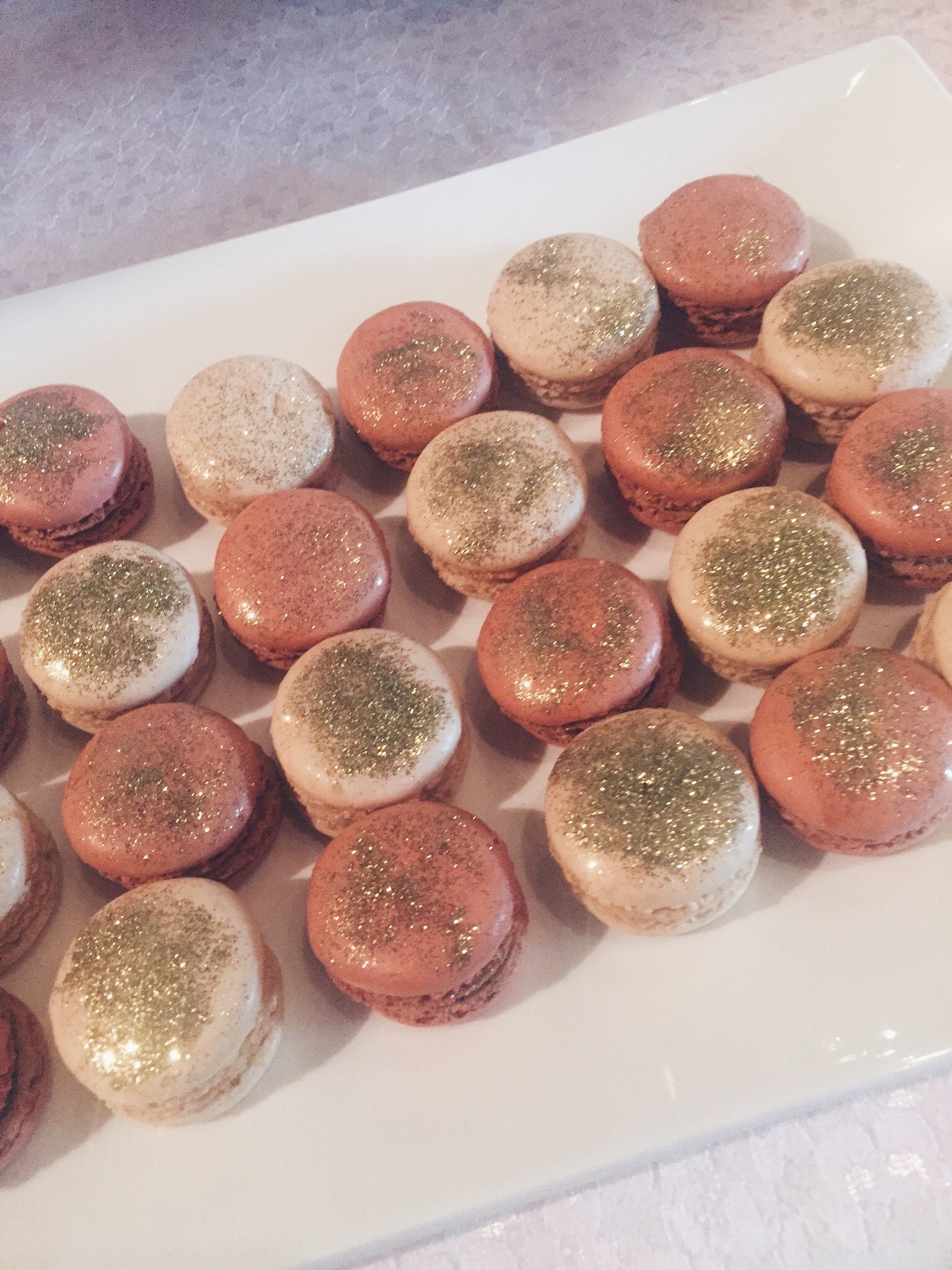 Bridal-Shower-Pink-Gold-Macaroons