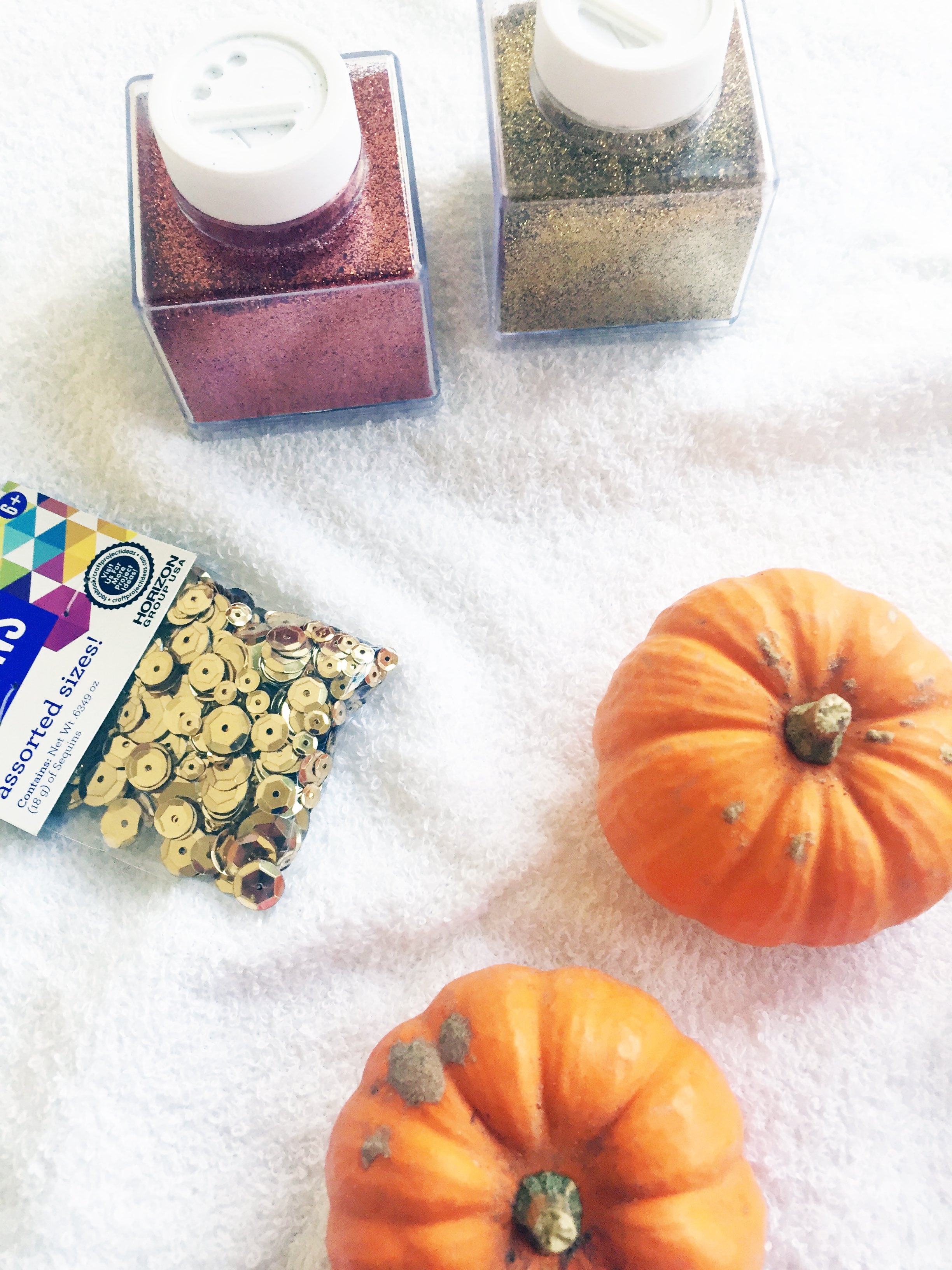 Celebrating fall with glitter pumpkins mini keebler pies for Arts and crafts glitter