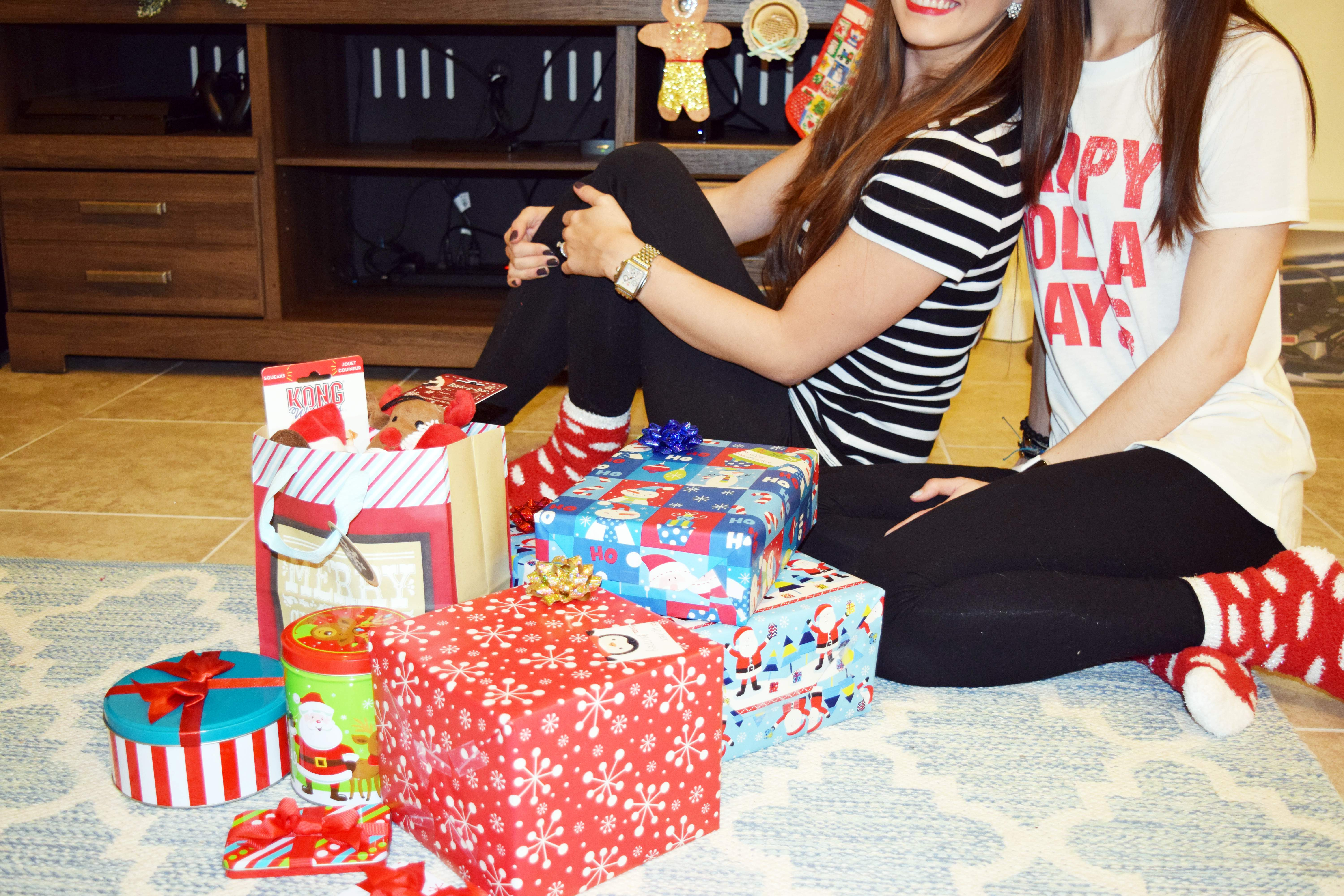 CHRISTMAS GIFT WRAPPING PARTY