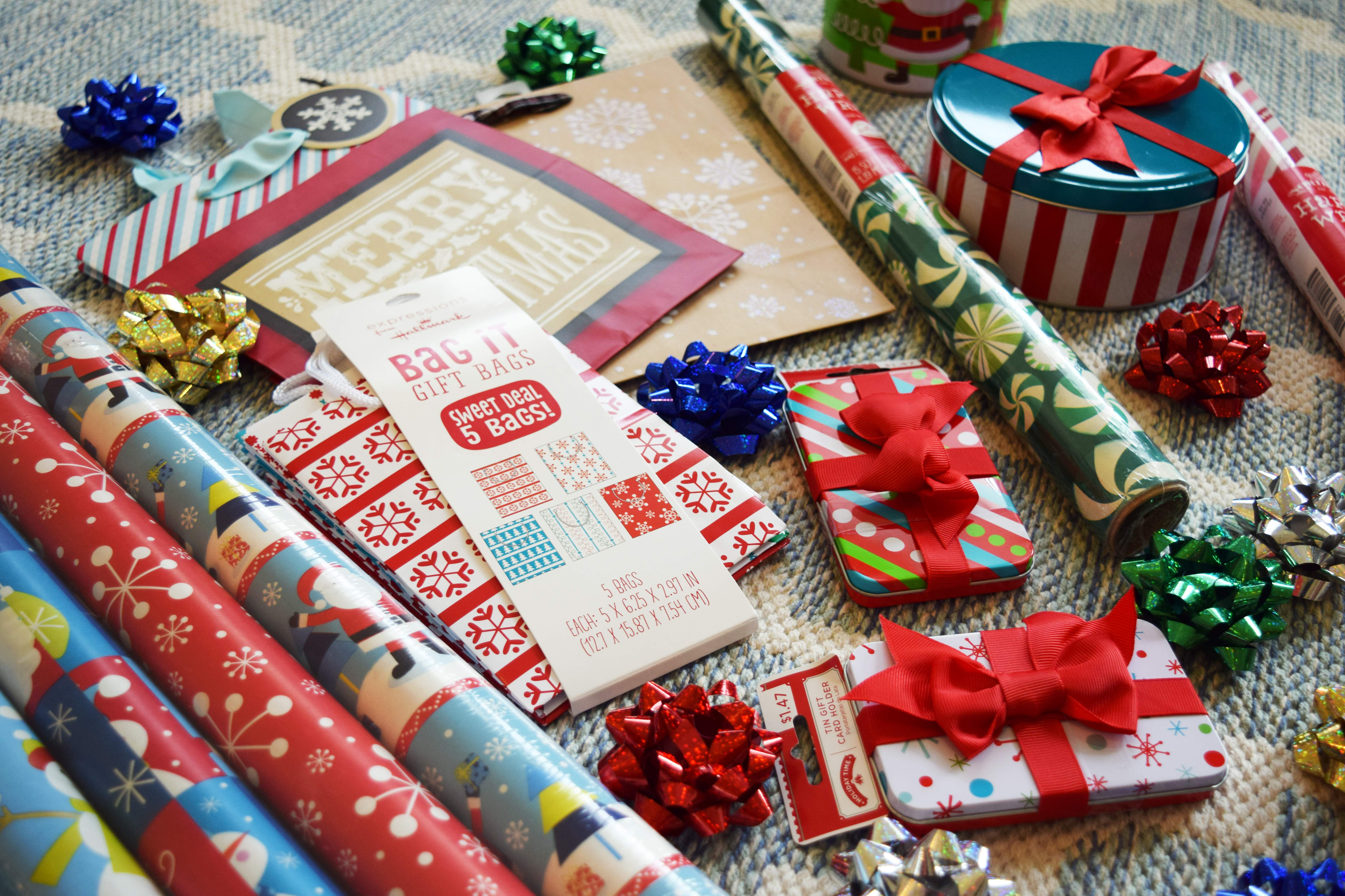 GIFT WRAPPING PARTY GIFT WRAP