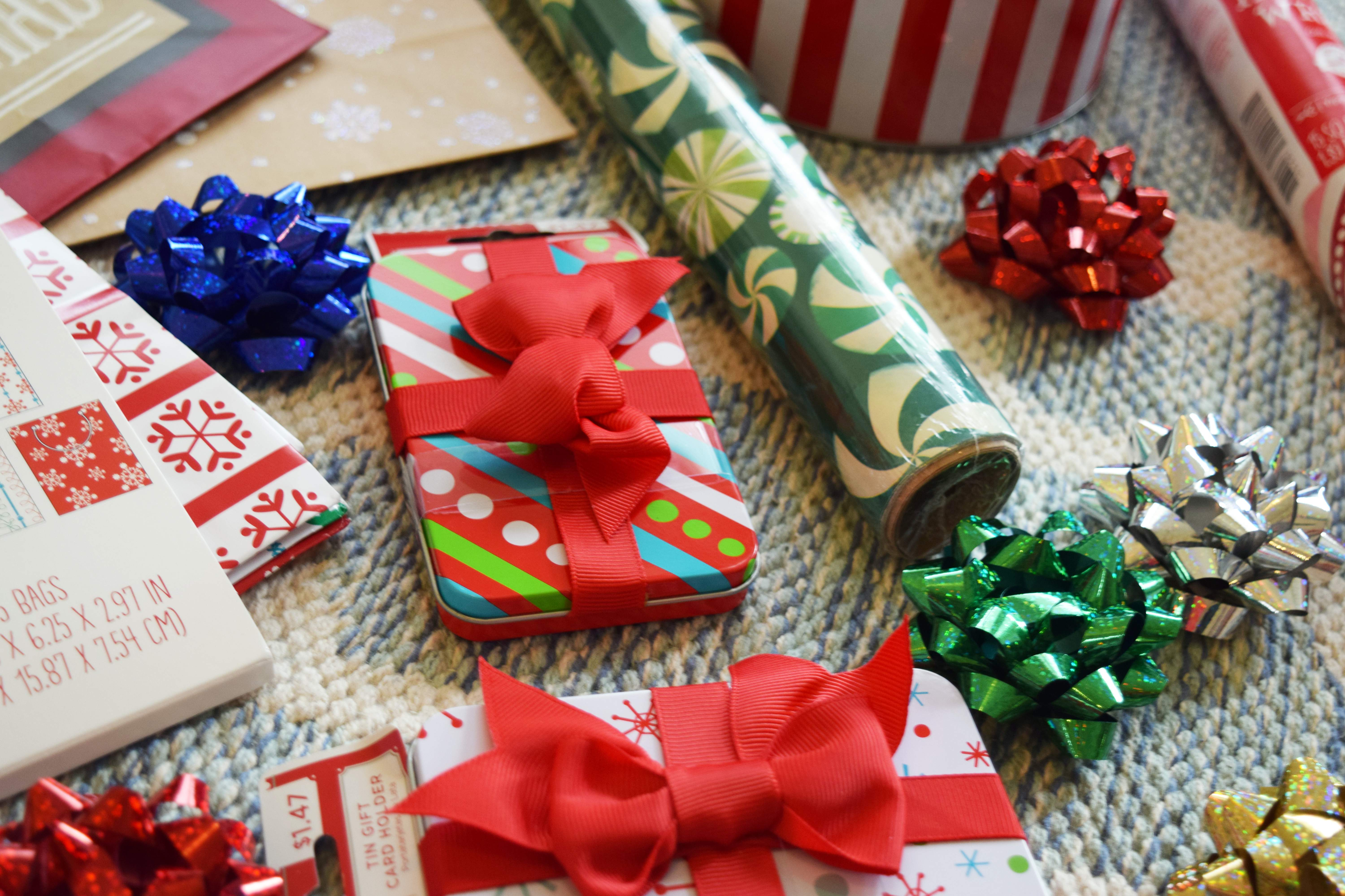 Gift Wrapping Party Gifts