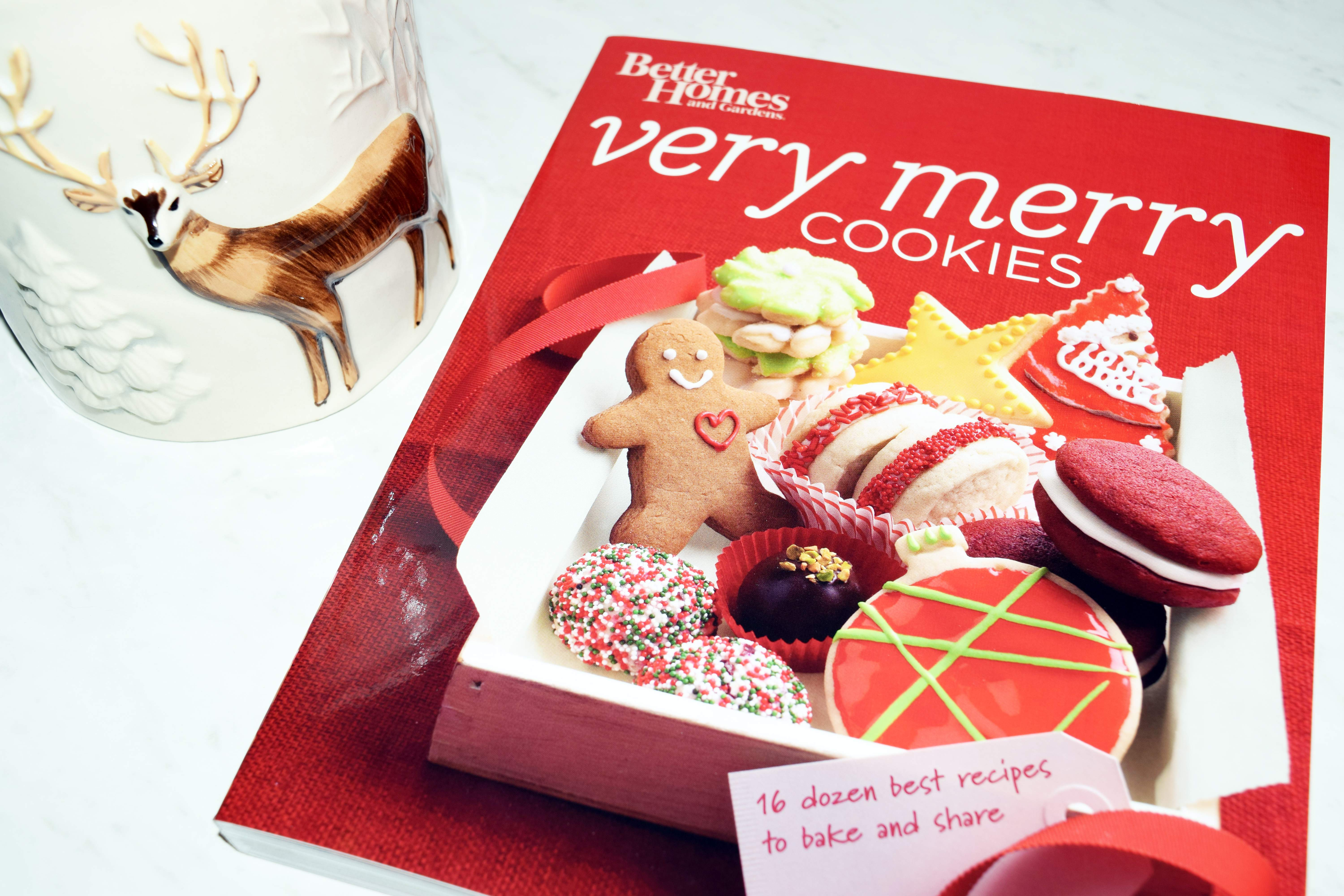 HOLIDAY COOKIE BOOK