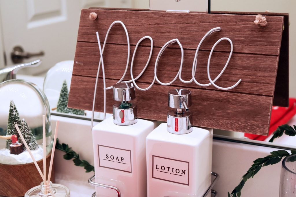 bathroom-holiday-decor-4