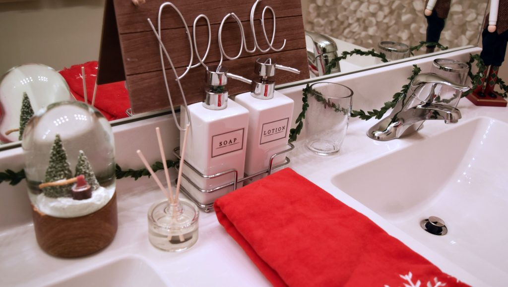 bathroom-holiday-decor-7