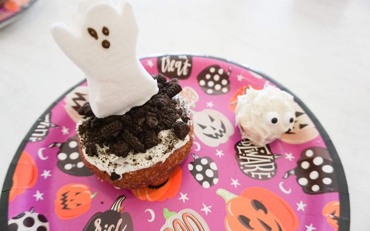 5 Easy No-Bake Halloween Treats You Can Make In 5 Mins Or Less