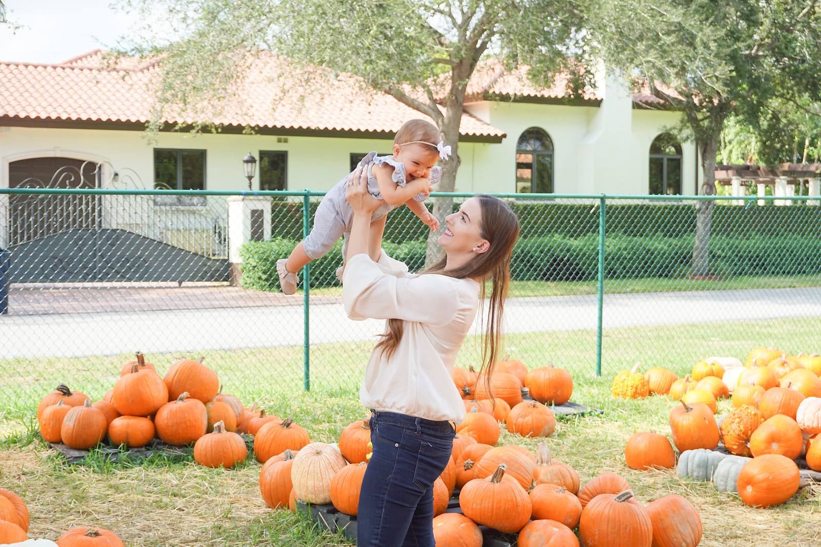 pumpkin patch photoshoot ideas 4